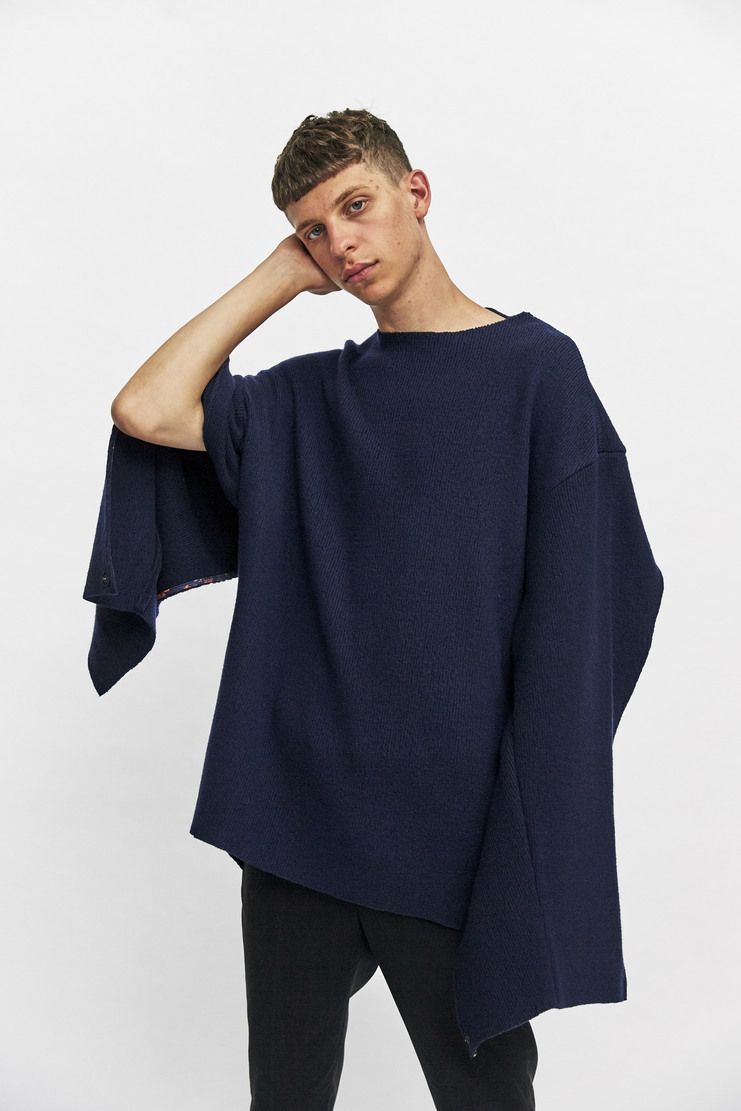 Delada Open Back Jumper Autumn Winter 17 AW17 Navy Cut-Away Cutaway Knitted Knit Oversized buttons cut out