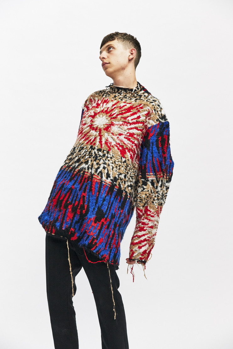 Delada Open Back Jumper Autumn Winter 17 AW17 Multi Colour Cut-away Cutaway Hole Acylic Red Navy White