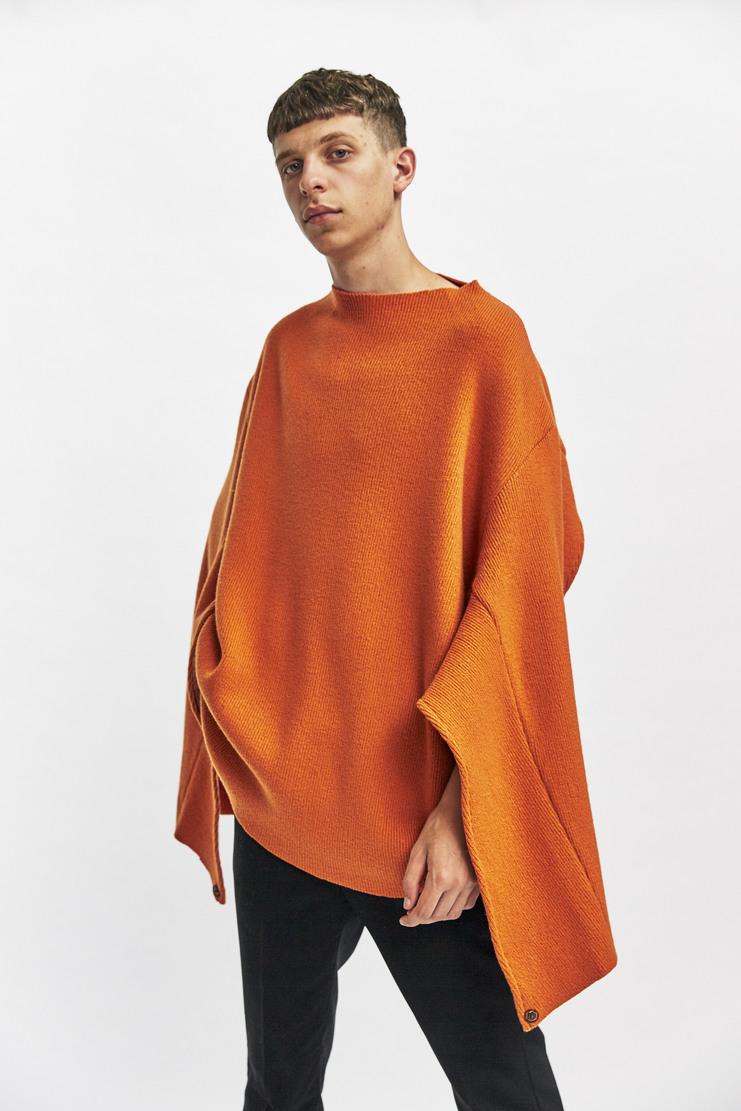 Delada Open Back Jumper Autumn Winter 17 AW17 Orange Cut-Away Cutaway Knitted Knit Oversized buttons cut out