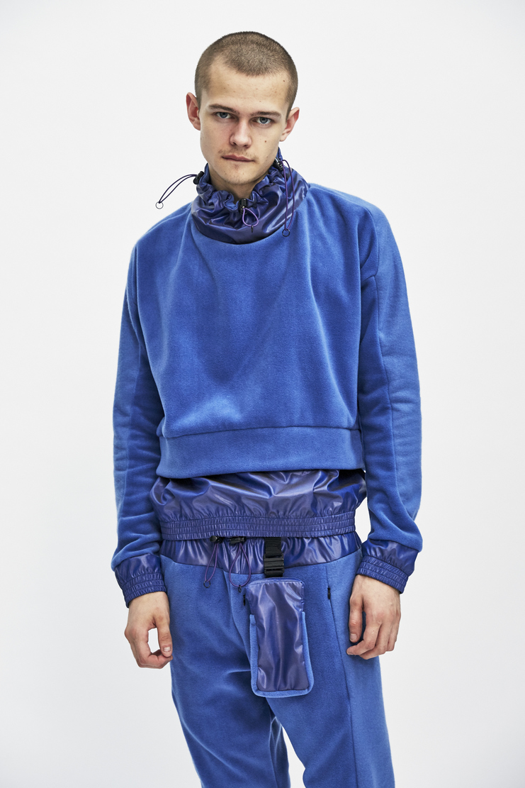 Lilac Trek Fleece from Cottweiler's A/W 17 collection. The Black Trek Fleece features long sleeves, a toggle-adjusted neckline and an elasticated hem and cuffs.