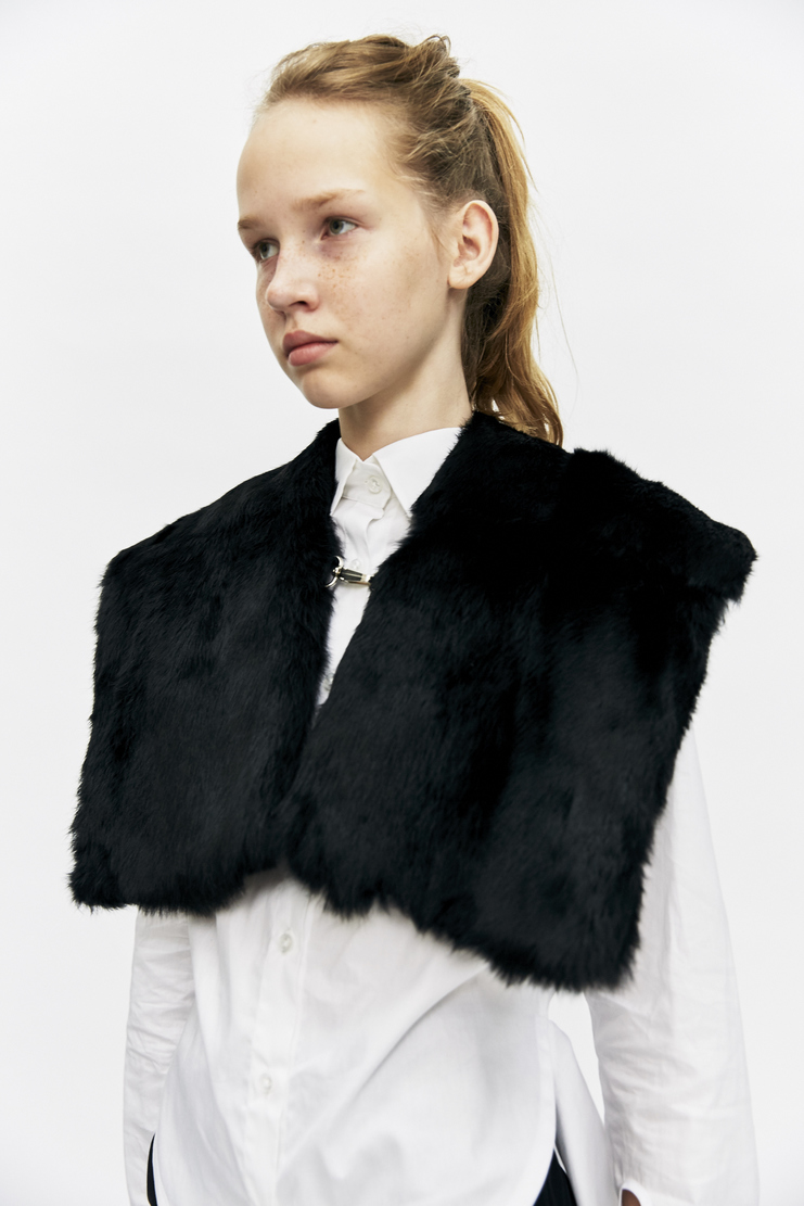 Ovelia Transtoto Grand Stole Autumn Winter 17 AW17 Black Accessories Neck Piece Fur Ovellia Transoto