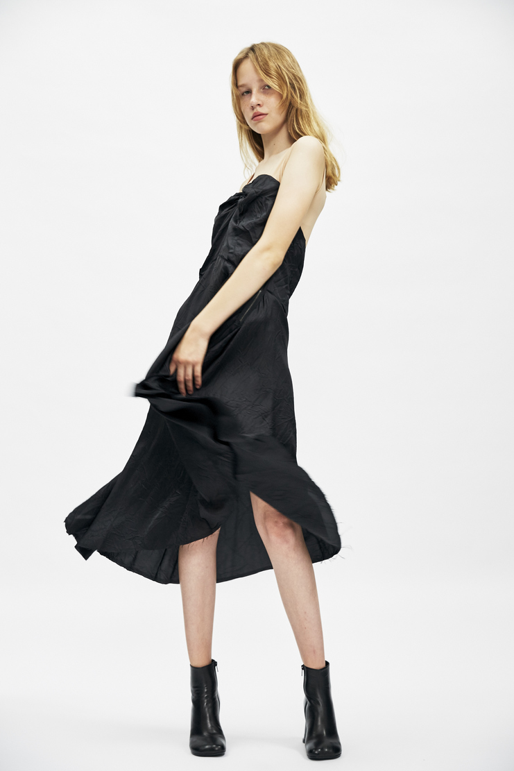 Maison Margiela black gathered dress invisile knee length asymmetric Autumn Winter AW17 aw 17 aw/17 MMM Margeila Galliano