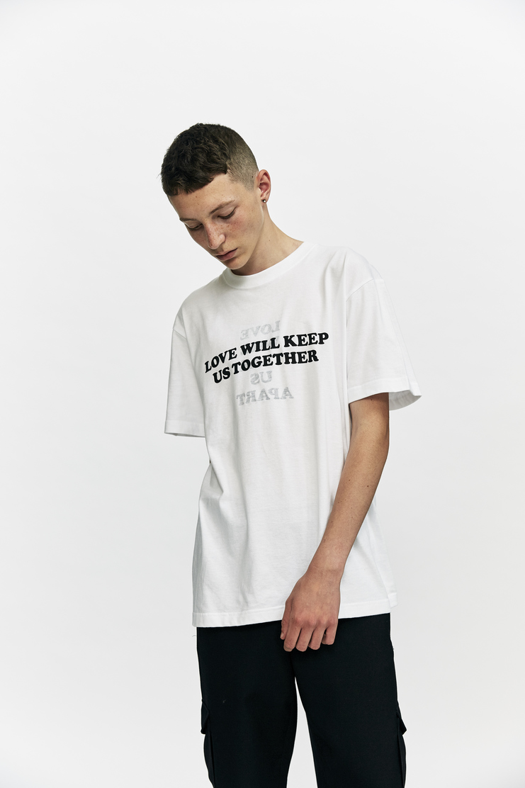 DARYLSTUDIO Reversible Printed T-shirt daryl studio aw 17 a/w 17 short sleeve t-shirt t shirt love will tear us apart love will keep us together black white