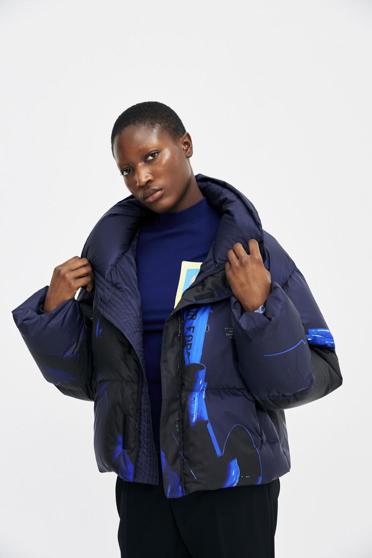 Hyein Seo Printed Down Bomber Jacket Autumn Winter 17 AW17 South Korea Polyester Goose Down Puffer Blue Digital Print