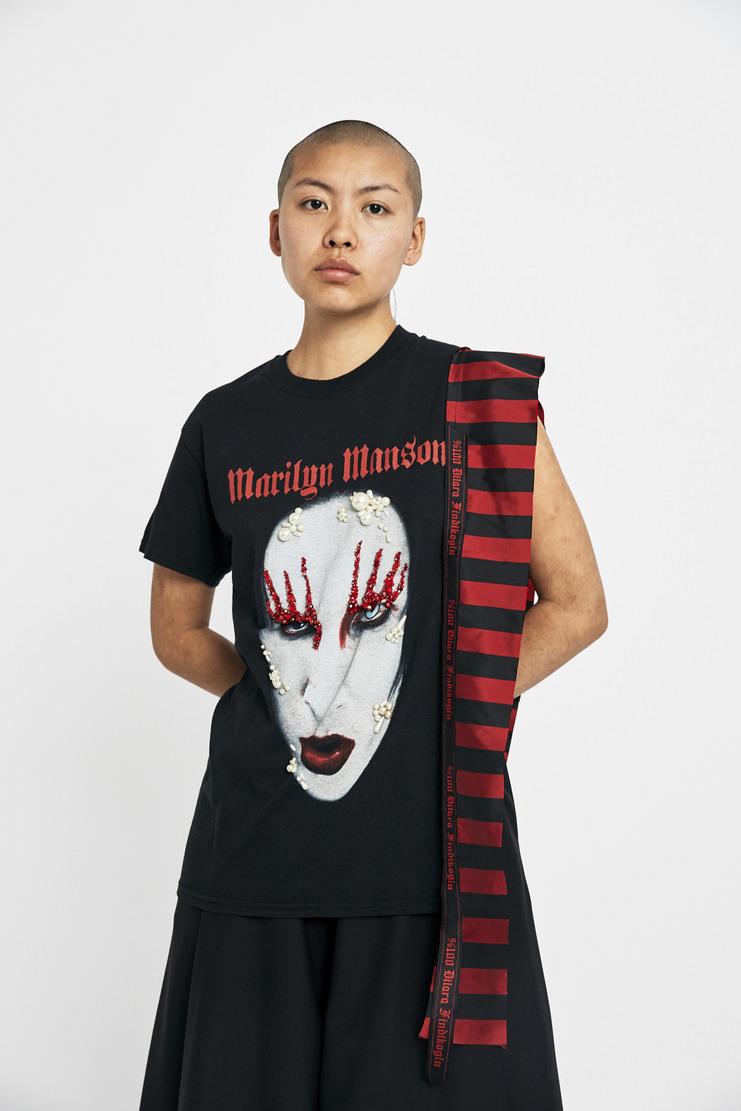 dilara findikoglu, aw17, band, tshirt, t-shirt, top, black, horror, halloween, lfw