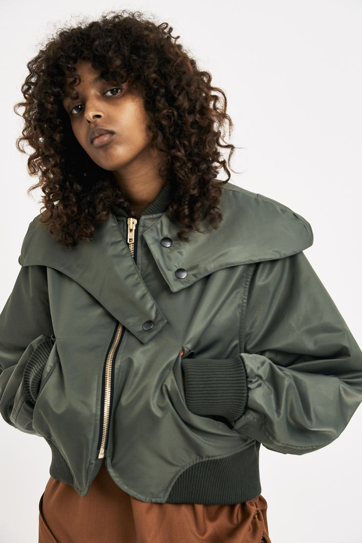 Vejas Olive Bomber Jacket crop cropped green long sleeved MA-1 pilot coat fw17 aw17