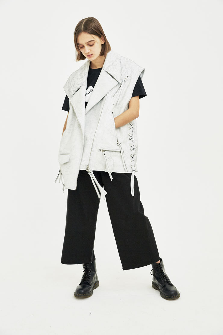 MM6 white vest jacket leather S/S 18 SS18 Spring Summer 2018 Maison Margiela Mason Margela Margella Machine-A