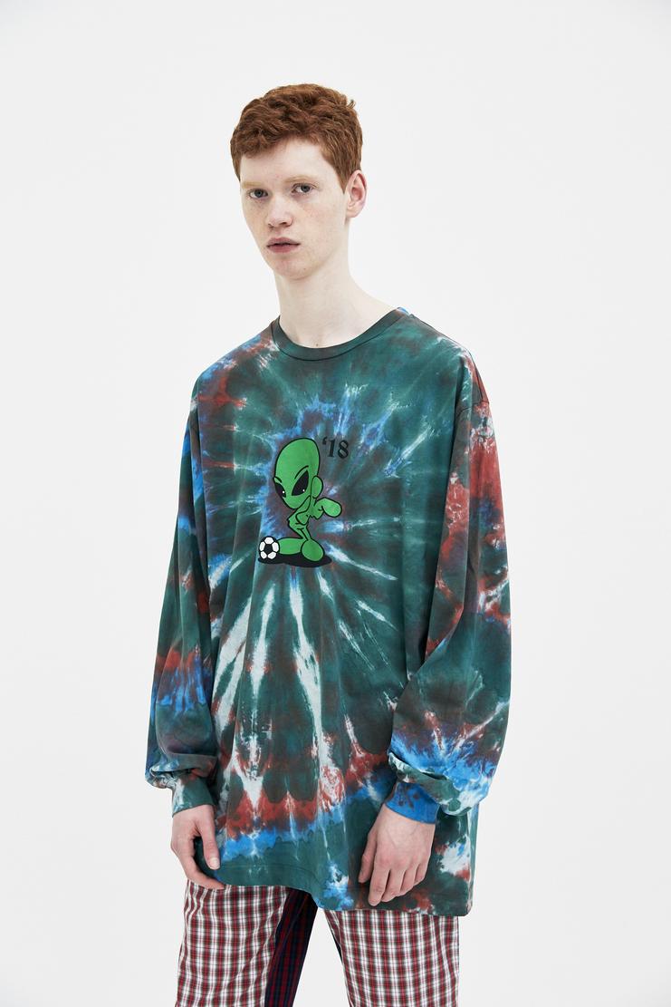 Gosha Rubchinskiy Tie Dye Alien T-shirt spring summer S/S 18 collection new arrivals Machine A SHOWstudio mens t-shirts tshirt G012T008