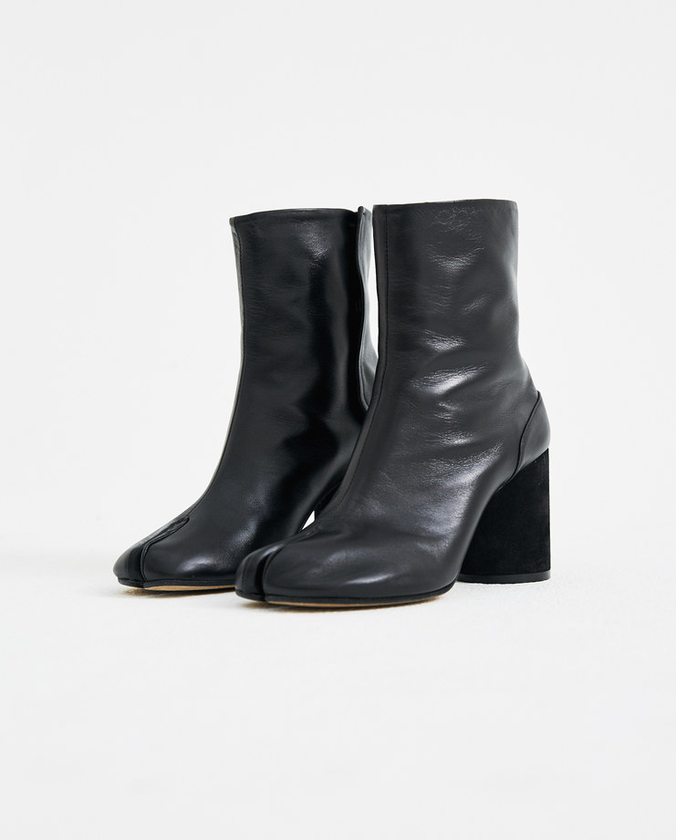 Maison Margiela Black Tabi Ankle Boots with Gold Interior S39WU0107 S/S 18 spring summer collection Machine A SHOWstudio womens boot martin margiela