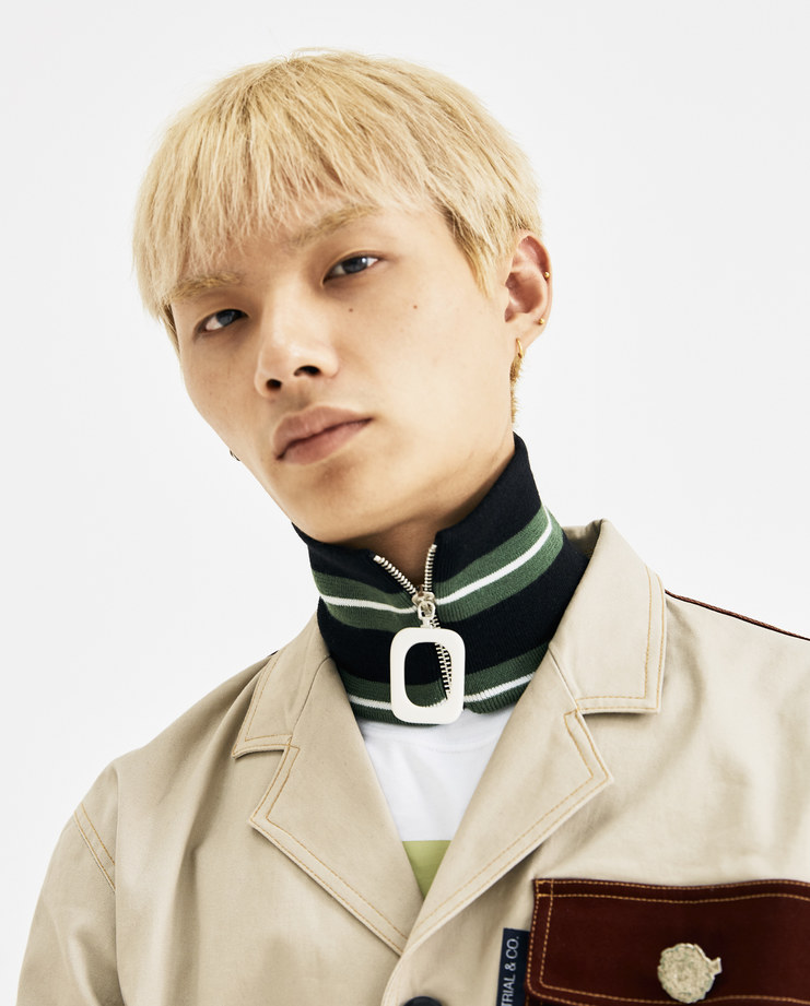 JW Anderson Emerald Striped Zipped Neckband AC00218F AW 18 A/W 18 collection autumn winter Machine A SHOWstudio accessories neck zip detail