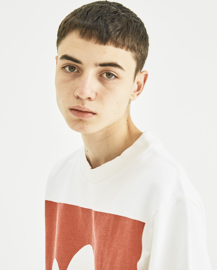 Vyner Articles White and Red Printed Sweatshirt 0A08 vyner studio Machine-A Machine A SHOWstudio menswear print tee logo jumper sweater