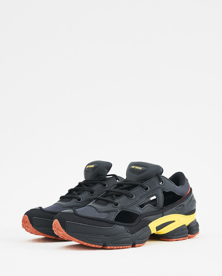 adidas x Raf Simons Black and Gold Replicant Ozweego F34234 Machine-A Machine A SHOWstudio A/W 18 sneakers trainers rafsimons